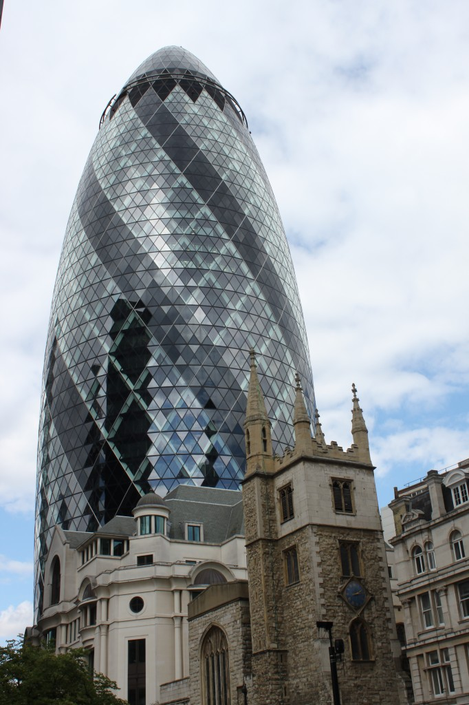 Sommerserie architektur teil 1 30 st mary axe london for Architecture celebre