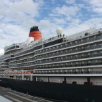Die Queen Elizabeth im Altona Cruise Center